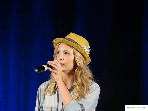 plus pics from Candice's appearance at Bloody Night Con 2011!