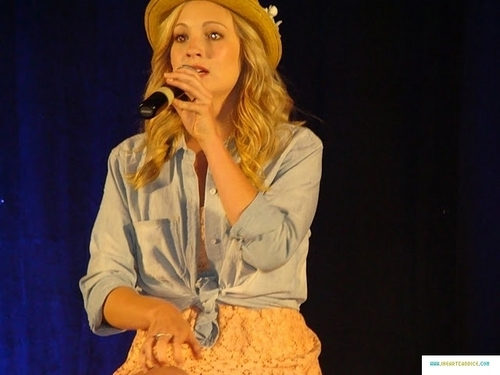 mais pics from Candice's appearance at Bloody Night Con 2011!