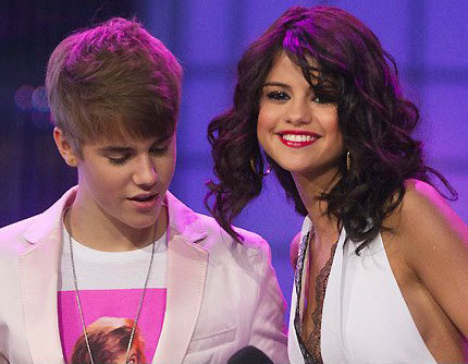 Justin Bieber and Selena Gomez wallpaper possibly containing a portrait called New Photo Of Selena And Justin