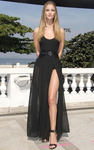 """Rosie Huntington Whiteley at the """"Transformers:Dark of the Moon"""" Photocall in Rio De Janeiro"""