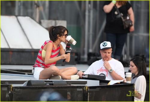 Selena Gomez: MMVA Rehearsal + Look A Like Contest!
