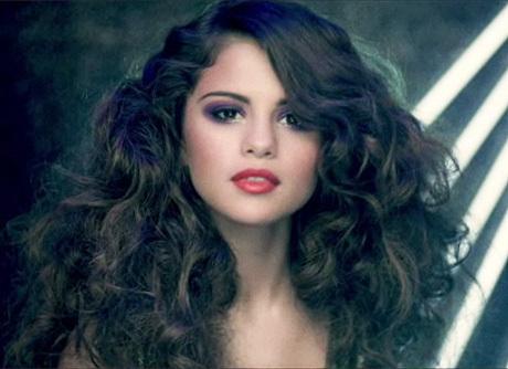 Selena In Curls