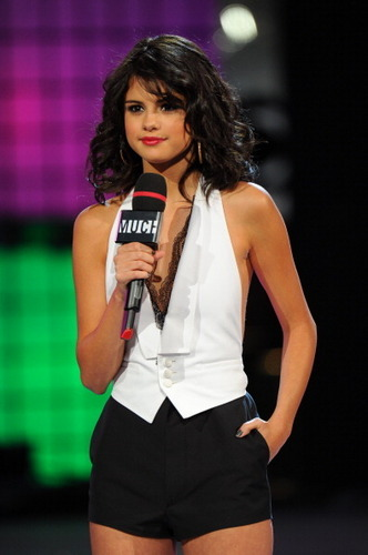 Selena - Much musique Video Awards - June 19, 2011