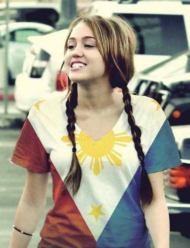 miley cyrus wearing philippine flag!!!