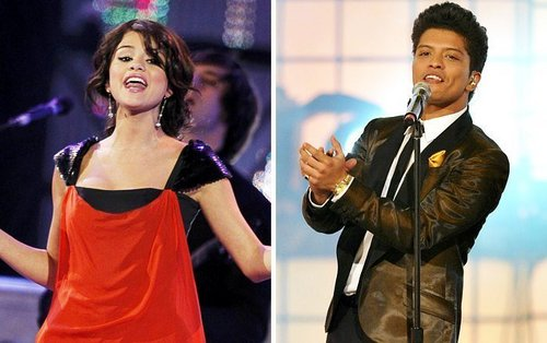 <3 Bruno Mars and Selena Gomez : MMVA