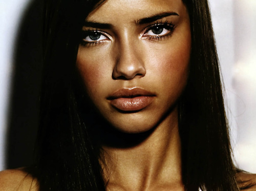 Adriana Lima wallpaper containing a portrait called Adriana Lima |