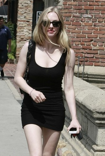 Amanda Seyfried Heading To Casting Office.