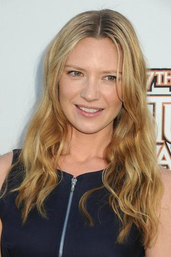 Anna Torv @ the 2011 Saturn Awards