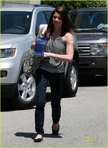 Ashley Greene: Fit For The Summer!