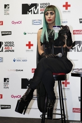 At the MTV Video Music Aid Japan Press Conference in Tokyo (23-06-11)