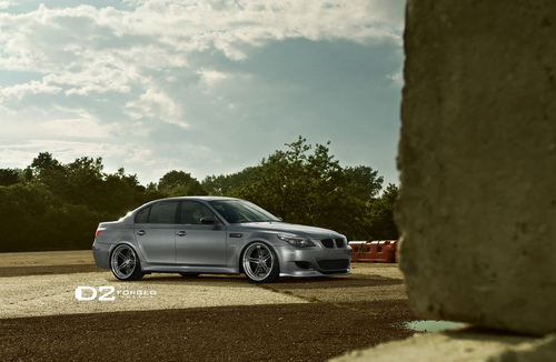 BMW E60 M5 par D2FORGED