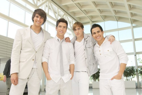 big time rush wallpaper probably containing a business suit titled Big Time Break Up (Episodic Stills)