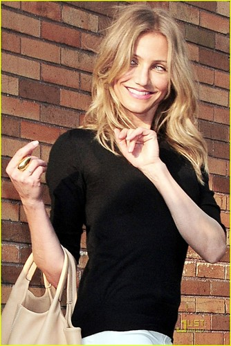 Cameron Diaz Visits 'The Daily Show'