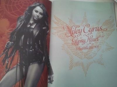 Corazon Gitano Tour [Gypsy 심장 Tour] - 2011 > Tour Book Scans