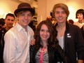 "Dylan and Cole Sprouse foto's At ""Fashion For Japan""!!"