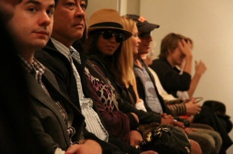 """Dylan and Cole Sprouse ছবি At """"Fashion For Japan""""!!"""