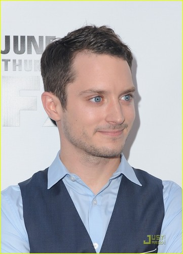 Elijah Wood: Jimmy Fallon Appearance &amp; &#39;Wilfred&#39; Premiere! - elijah-wood Photo