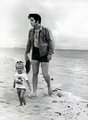 Elvis and Lisa in the beach