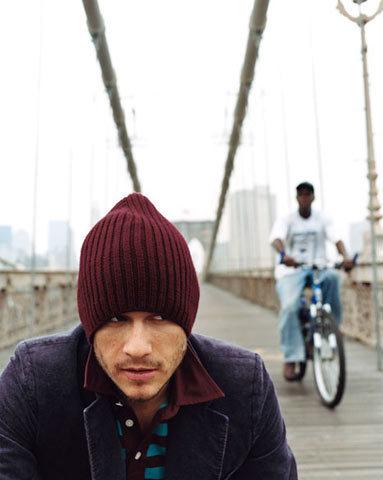 Heath and aléatoire guy on bicycle lol!