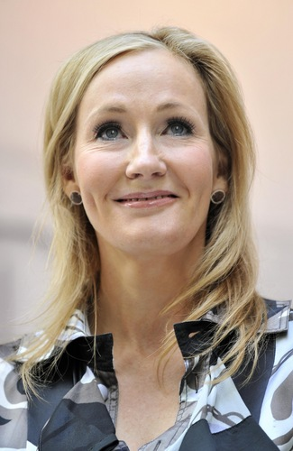 J.K. Rowling sasisho official site on Pottermore, picha from London press launch HQ