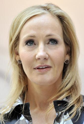 J.K. Rowling atualizações official site on Pottermore, fotografias from Londres press launch HQ