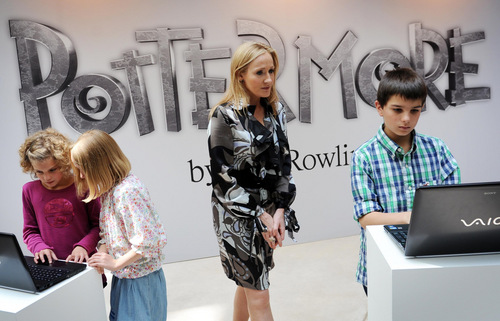 J.K. Rowling Обновления official site on Pottermore, фото from Лондон press launch HQ