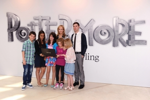 J.K. Rowling aggiornamenti official site on Pottermore, foto from Londra press launch