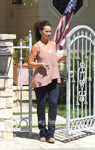 Jennifer amor Hewitt Goes to Visit her Mother in Studio City, Jun 25