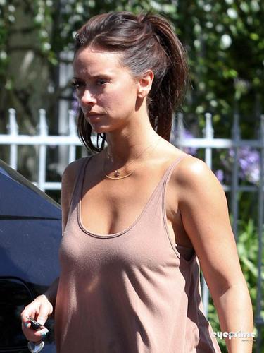 Jennifer 사랑 Hewitt Goes to Visit her Mother in Studio City, Jun 25