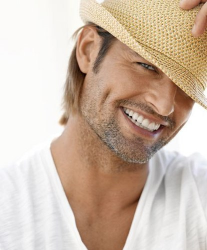 Lost wallpaper with a snap brim hat, a boater, and a fedora entitled Josh Holloway