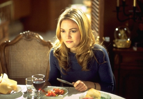 Julia Stiles wallpaper with a dinner, a holiday dinner, and a brunch entitled Julia
