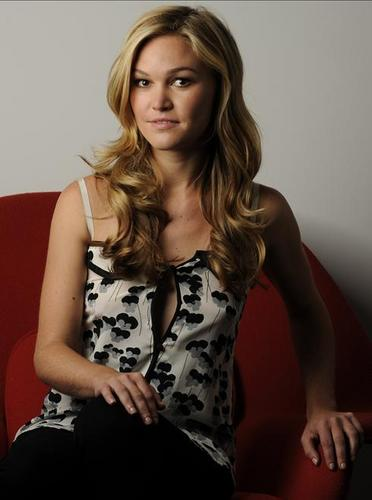 Julia Stiles wallpaper possibly containing a bustier, tights, and a cocktail dress titled Julia