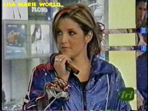Lisa Marie Presley fond d'écran possibly containing a portrait titled Lisa ...♥