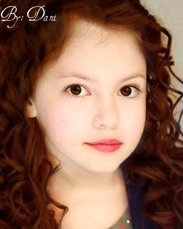 Mackenzie Foy as Renesmee
