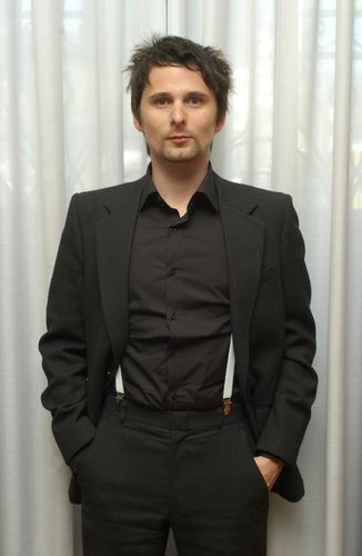 Matthew Bellamy wallpaper containing a business suit, a suit, and a well dressed person called Matt *-*