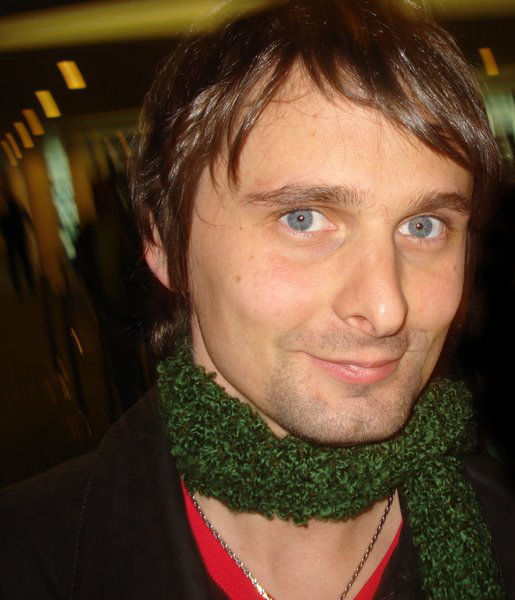 Matt-matthew-bellamy-23183996-515-600.jp