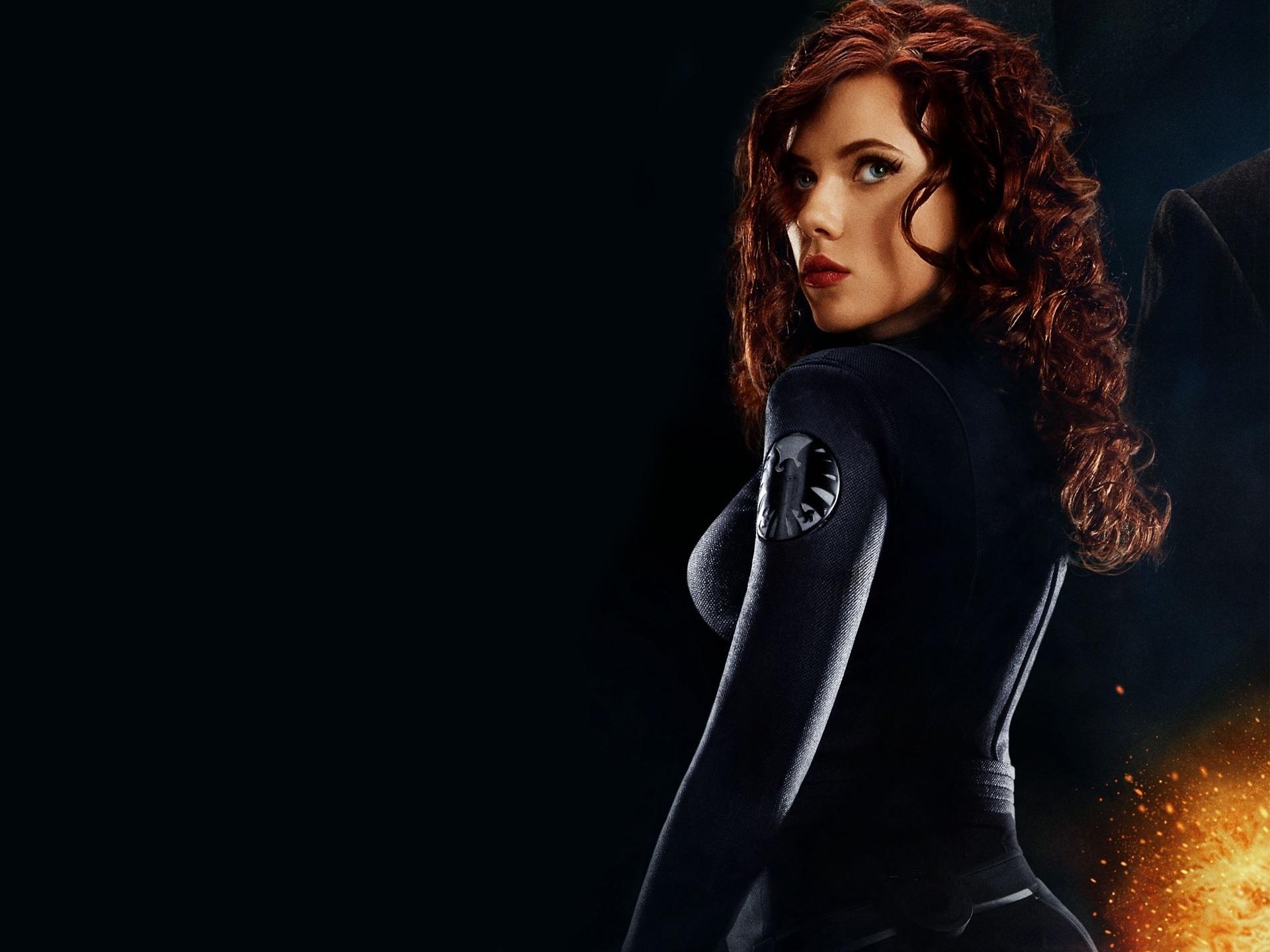 Female Ass-Kickers fondo de pantalla probably containing a well dressed person, an outerwear. Natasha Romanov/Black Widow.