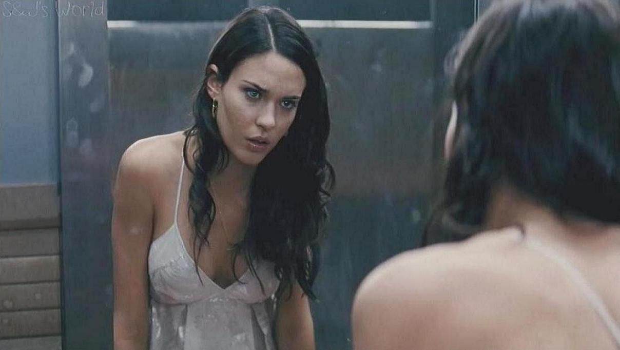 Odette Yustman as Mel