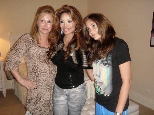 Paris, La Toya and Kathy