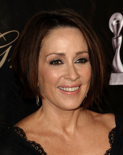 Patricia Heaton karatasi la kupamba ukuta containing a portrait called Patricia Heaton (2011)