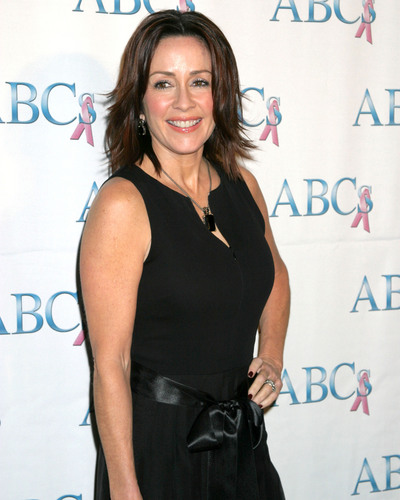 Patricia Heaton karatasi la kupamba ukuta probably with a cocktail dress entitled Patricia Heaton