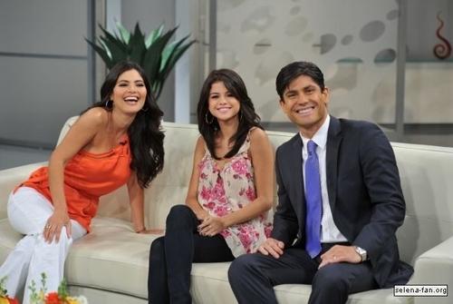 Selena - Despierta America - June 22, 2011