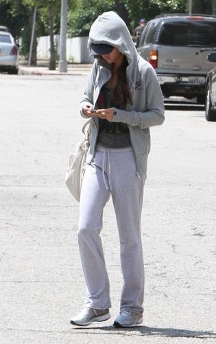 Selena - Leaving Hospital After Check Up - June 13, 2011