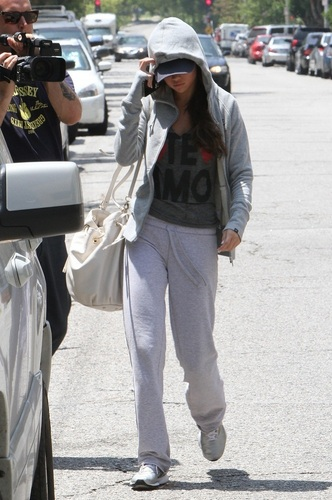 Selena - Leaving Hospital After Check Up - June 13, 2011
