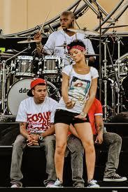 Shake it - chris-brown-and-rihanna Photo