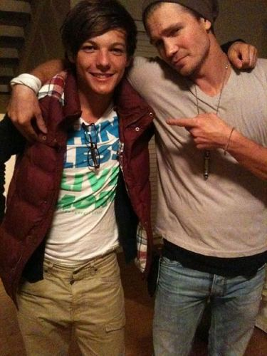 Sweet Louis & Chad Michael Murray! I Get Totally Lost In Him Everyx 100% Real ♥