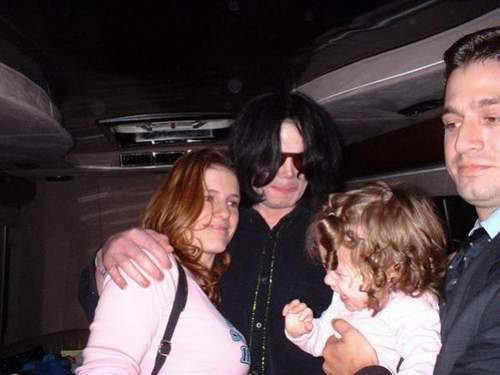 THIS MUST BE THE ONLY KID WHO'S CRYING 次 TO MICHAEL!