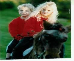 Taylor and brother Austin when they were little so cute