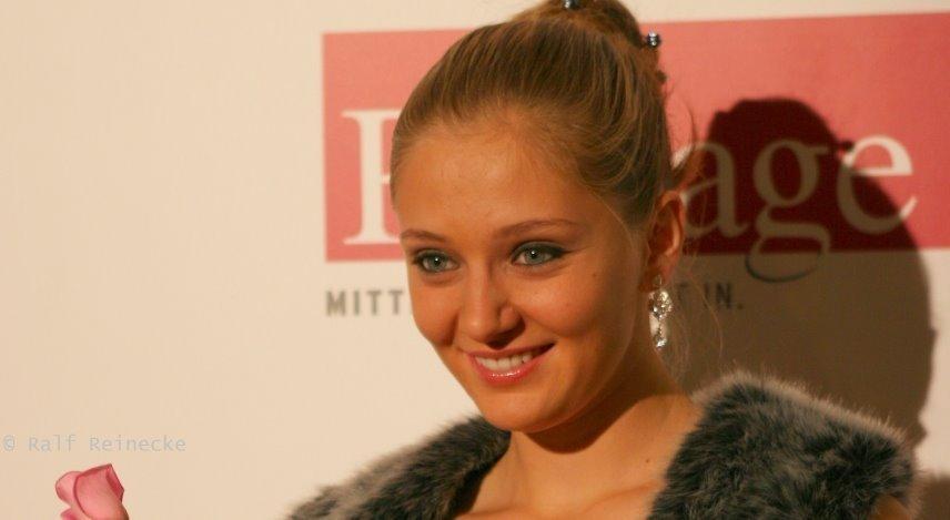 Anna Chakvetadze has a Gorgeous Smile
