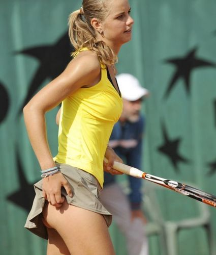 Arantxa Rus has a Sexy Itch